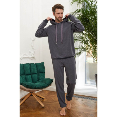 Мужские брюки в спортивном стиле