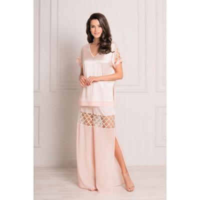 Стильная пижама из легкой атласной ткани