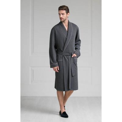 Стильный мужской халат средней длины