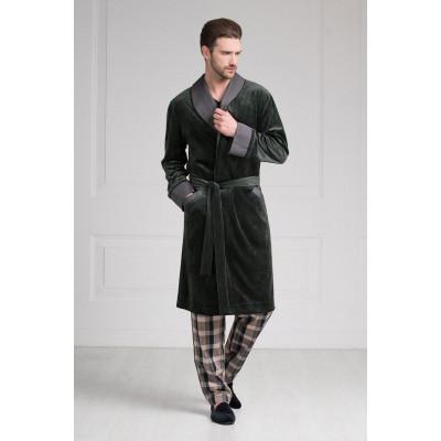 Мужской халат средней длины